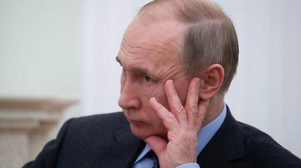 Dugno link: Vladimiru Putinu nepasitiki rekordiškai daug rusų