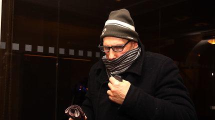 Antrą kartą nuteistas neteisėtai dantis penkmetį Kaune protezavęs stalius