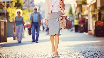 Rusijos kompanijos pasiūlymas darbuotojoms moterims: premija, jei darbe bus su sijonu