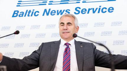 """Pasitraukęs iš politikos V.Ušackas dirbs """"Avia Solutions Group"""""""