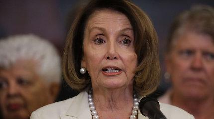 Simbolika: JAV Atstovų Rūmai pasisakė už D.Trumpo veiksmų suvaržymą Irano klausimu