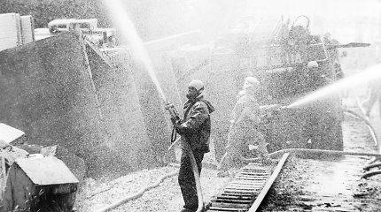 """""""Už Kremliaus sienų"""": Černobylio realybė niūresnė nei įsivaizduojama – tiesą slėpė ir sovietai, ir Vakarai"""