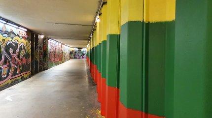 Vilniaus požeminėje perėjoje vaivorykštės neliko – vėl tik trispalvė
