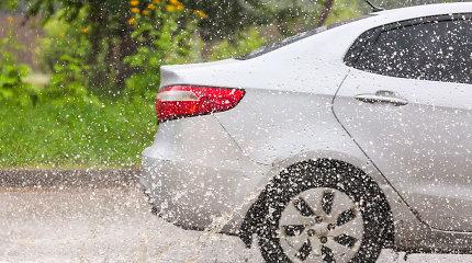 Tendencijos: kas penktas autoįvykis apgadina ar sunaikina automobilio stiklus