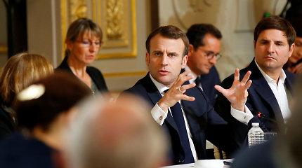 Prezidentui Xi Jinpingui viešint Prancūzijoje, E.Macronas siekia sutelkti ES prieš Pekino ambicijas