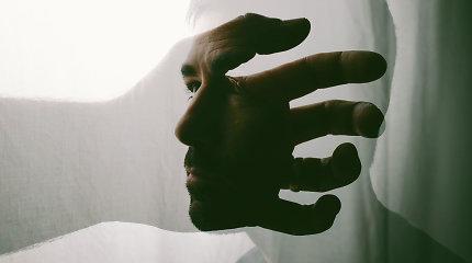"""Psichologas dr. V.Jurkuvėnas: """"Įkyrios mintys pasireiškia visiems."""" Kaip jų atsikratyti?"""