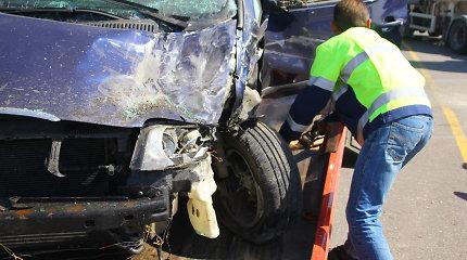 """Šiaulietis Vildis Slabovas 2 metus """"dirbo"""" avarijų sukėlėju – daužė mašinas dėl išmokų"""