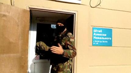 Rusijos pareigūnai surengė virtinę reidų Aleksejaus Navalno regioniniuose štabuose