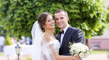 """Tituluota """"Mis Lietuva 2009"""" dalyvė Ernesta Kalinauskaitė Liškiavoje ištekėjo už Roko Aurylos"""