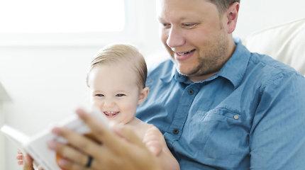 Klaidinami socialinio tinklo vartotojai: ES vyrų neskatina žindyti