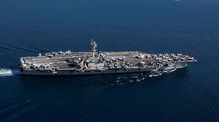 JAVsiunčia į Vidurinius Rytus lėktuvnešį: tai žinia Iranui