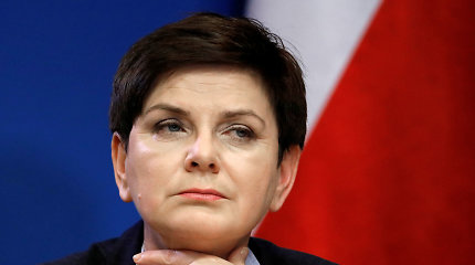 Buvusi Lenkijos premjerė B.Szydlo gavo baudą už eismo įvykio sukėlimą