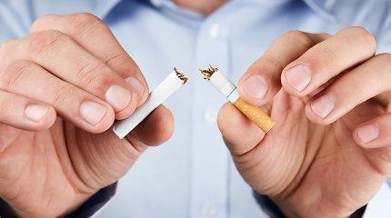 Cigarečių dūmai gali įsigerti ir per odą: kaip saugoti vaikus nuo pasyvaus rūkymo?