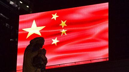 Kinijos antrasis lėktuvnešis pradeda tarnybą
