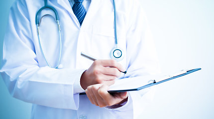Šeimos gydytojai piktinasi prievole suvesti duomenis dėl neveikusios e.sveikatos sistemos