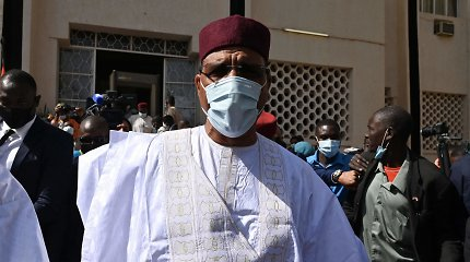 Nigerio antrąjį prezidento rinkimų ratą laimėjo Mohamedas Bazoumas