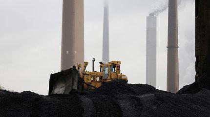 """JAV anglių gavybos milžinė """"Murray Energy"""" kreipėsi dėl bankroto procedūros"""
