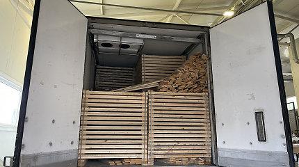 Iš Baltarusijos – kontrabanda vietoje medienos: cigarečių vertė – 1,5 mln. eurų