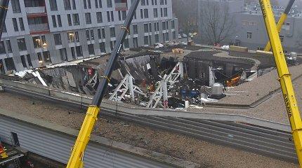 """Dėl """"Maximos"""" griūties Latvijoje nuteistas tik vienas inžinierius – aukų artimieji pasipiktinę"""