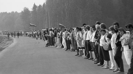 Testas prenumeratoriams: kiek žinote apie Baltijos kelią?