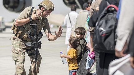 Įtarimai kai kuriems evakuotiems afganistaniečiams atkreipia dėmesį į saugumo patikrinimus