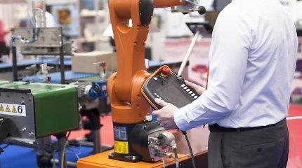 Robotizuojant pramonę svarbiausią vaidmenį vaidina žmogus, o ne robotas