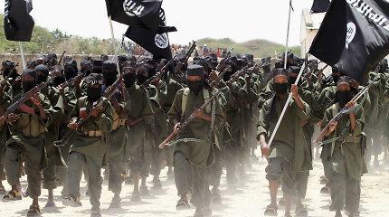 """""""Al Shabaab"""" džihadistai užpuolė JAV ir Kenijos karinę bazę"""