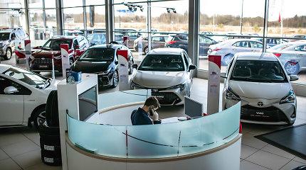 Lietuvos naujų automobilių rinka nukraujavo, tačiau kai kurie pardavėjai švenčia pergales
