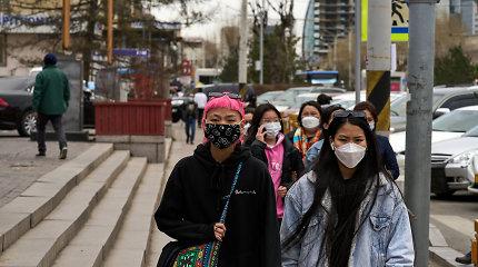 """""""NY Times"""": Šalys, pasitikėjusios kinų skiepais, kenčia COVID-19 protrūkius"""