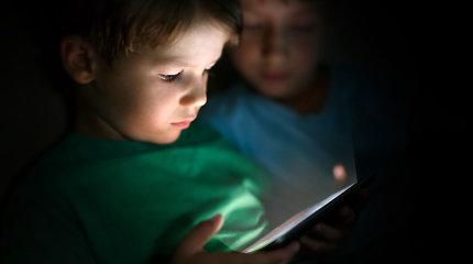 Vaikai vieni namuose: kaip tėvai turėtų pasirūpinti jų saugumu?