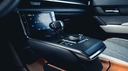 (Ne)naudingos automobilių technologijos: ar reikia atsisakyti mygtukų?