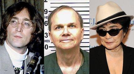 Ar įmanoma atleisti vyro žudikui? J.Lennoną nužudęs M.Chapmanas po 40 metų atsiprašė jo našlės