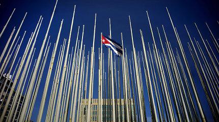 Dviem Kubos JT misijos nariams liepta palikti JAV