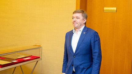 """Žiežirbos """"valstiečių"""" gretose: politologas spėja – R.Karbauskis gailisi netapęs Seimo pirmininku"""