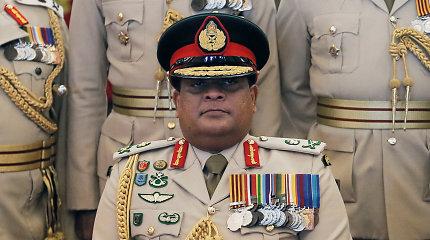 JAV dėl įtariamų karo nusikaltimų uždraudė įvažiuoti į šalį Šri Lankos kariuomenės vadui