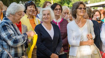 """Projektas """"Susitikim, mieli senjorai"""" vyresnio amžiaus žmones kviečia į nemokamus užsiėmimus"""