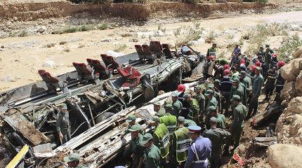 Maroke per potvynį apvirtus autobusui žuvo 14 žmonių, 29 sužeisti
