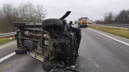 Autostradoje ties Vėžaičiais sumaitotos trys mašinos: stebimasi, kaip niekas nenukentėjo