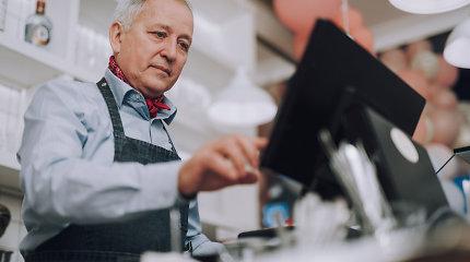 Darbo rinkoje daugėja vyresnių žmonių, todėl kai kuriems darbdaviams teks atsiprašyti