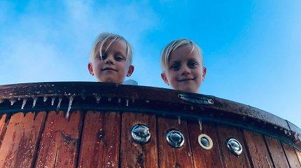 Talentingieji 6-mečiai dvyniai, gimę per tėčio gimtadienį: broliai pasaulį užkariauja sportu, žygiais ir maudynėmis eketėje