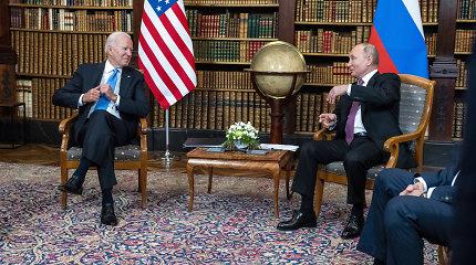 """""""NY Times"""": J.Bideno ir V.Putino susitikimo aidai Maskvoje: komentatoriai džiūgauja"""