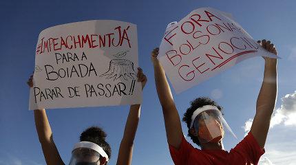 Tūkstančiai brazilų išėjo į gatves reikalauti prezidento J.Bolsonaro apkaltos