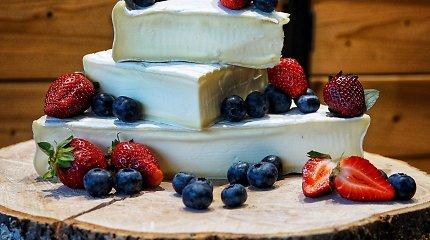 """TOP 5 vyno ir sūrio deriniai Valentino dienai iš """"Masters of Cheese"""""""