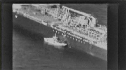 D.Trumpo Iranui nubrėžta raudona linija: ar po išpuolių prieš tanklaivius neteks jos nutrinti?