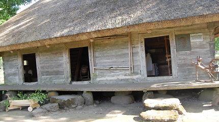 Žemaitijoje siūlys autentišką patirtį: nakvoti ant šieno ir gaminti cibulynę, pusmarškonę košę