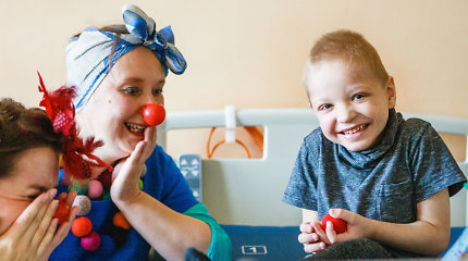 """Mes lygūs. 7 metus gydytoja kloune dirbanti Joana: """"Klounas neateina patikti, jis ateina susitikti"""""""