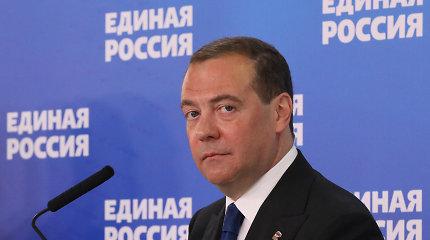 """""""Vieningoji Rusija"""" pažemino partijos pirmininką D.Medvedevą: neįtraukė į rinkimų sąrašus"""