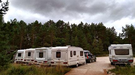 Ant ratų vasarą leidžiantys lietuviai: į ką atkreipti dėmesį perkant namelį ant ratų?