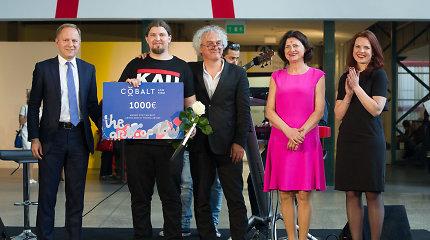 """""""ArtVilnius"""" skelbia laureatus: geriausiu menininku tapo M.Navakas, geriausiu jaunuoju menininku – P.Ramanauskas"""