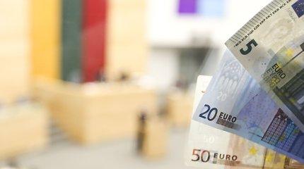 Seimas skuba lopyti turtuoliams palankias mokesčių reformos spragas, buhalteriai piktinasi